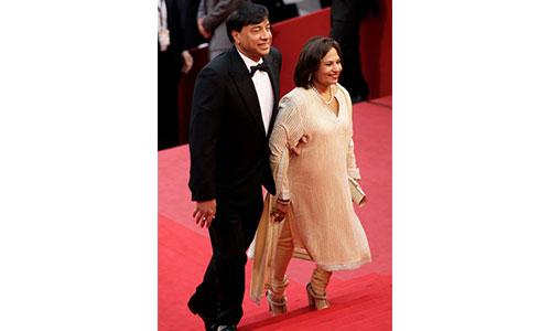 Lakshmi Mittal wife