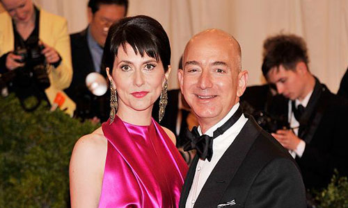 Family photo of the economist, married to Mackenzie Bezos, famous for CEO of Amazon.com.