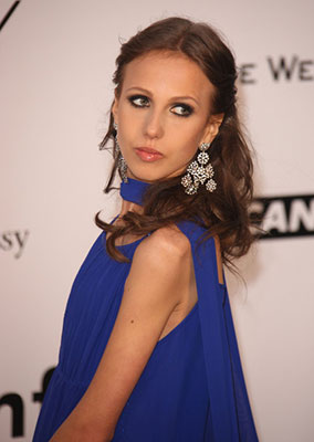 Allegra Versace - 2018 Regular Brown hair & Bun hair style. Current length:  long hair (bra strap length)