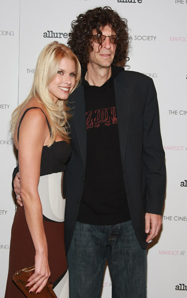 Howard Stern And Aliso...