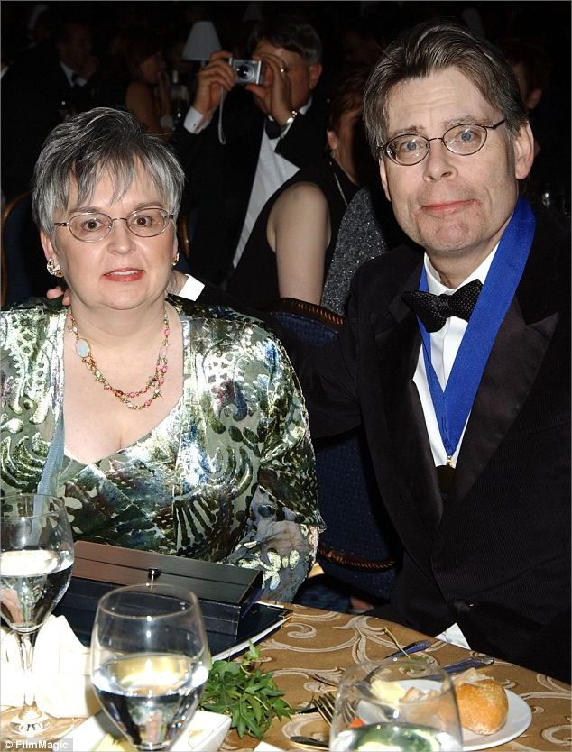 stephen king Wife