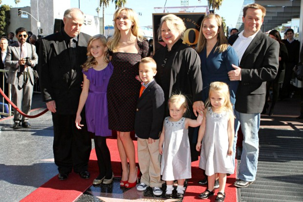 Reese Witherspoon with her family