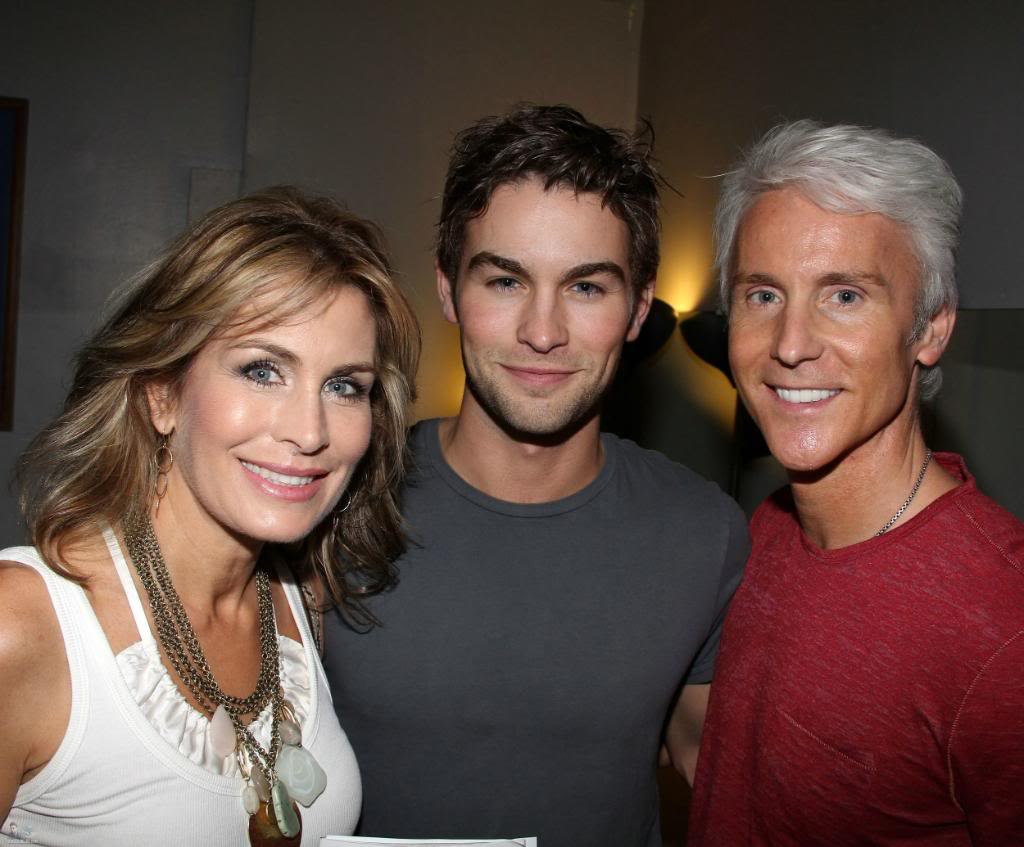 Is ashley greene dating chace crawford